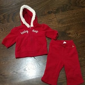 Baby Gap red sweatshirt set, size 3-6 months.